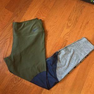 XL Nike leggings